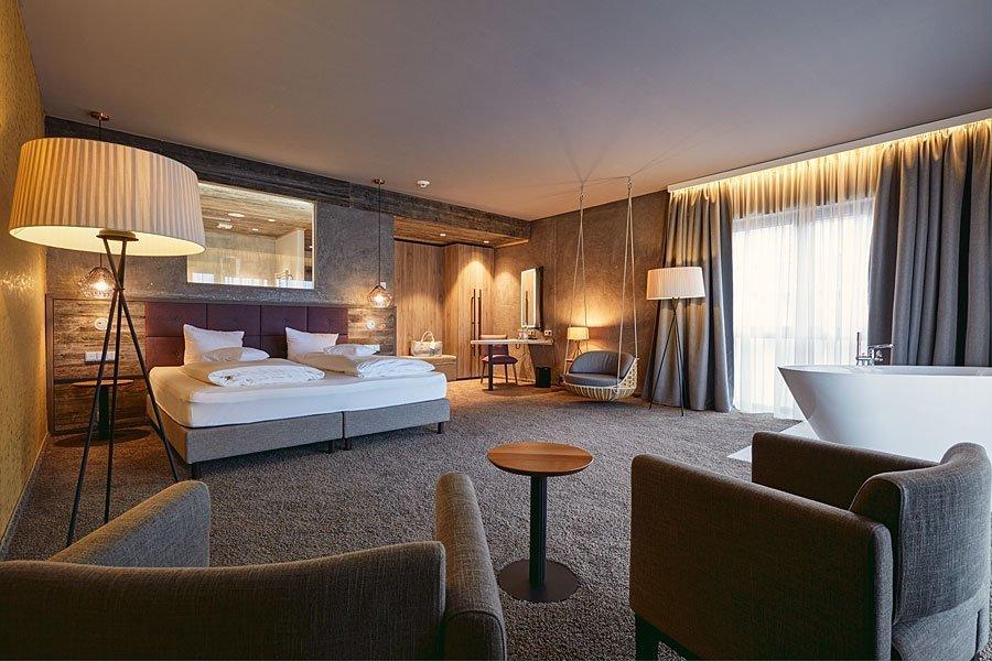 Die sehr geräumigen und luxuriösen Suiten mit traumhaften Ausblick - 4 Sterne Wellnesshotel Bayerischer Wald