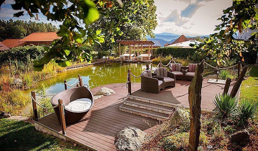 Relaxgarten unseres Wellnesshotel im Bayerischen Wald